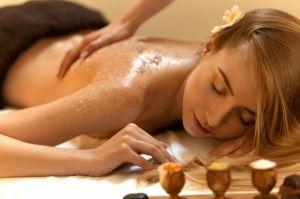 Massage plus Körperpeeling